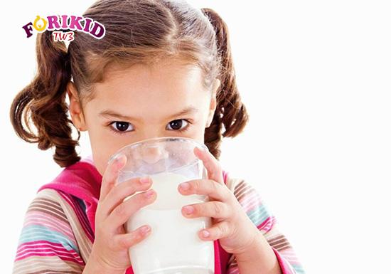 Sữa công thức cũng là một giải pháp hữu hiệu dành cho trẻ chậm lớn