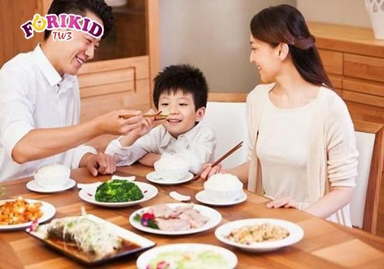10 bí quyết giúp bé ăn ngon miệng, lớn khỏe nhanh mà mẹ cần biết