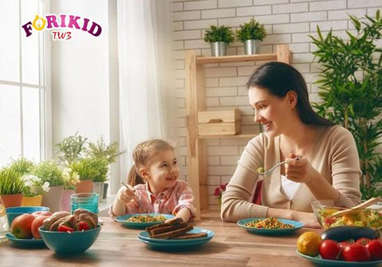 Hãy luôn biến bữa ăn trở thành khoảng thời gian vui vẻ khiến bé thích thú