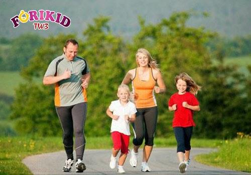 Vận động thể chất thường xuyên là cách giảm cân cho trẻ an toàn mà hiệu quả nhất