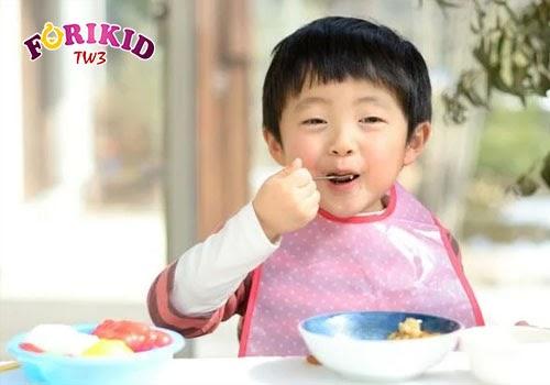 Thay đổi đa dạng đồ ăn, cách chế biến sẽ giúp trẻ hứng thú và ăn uống ngon miệng hơn